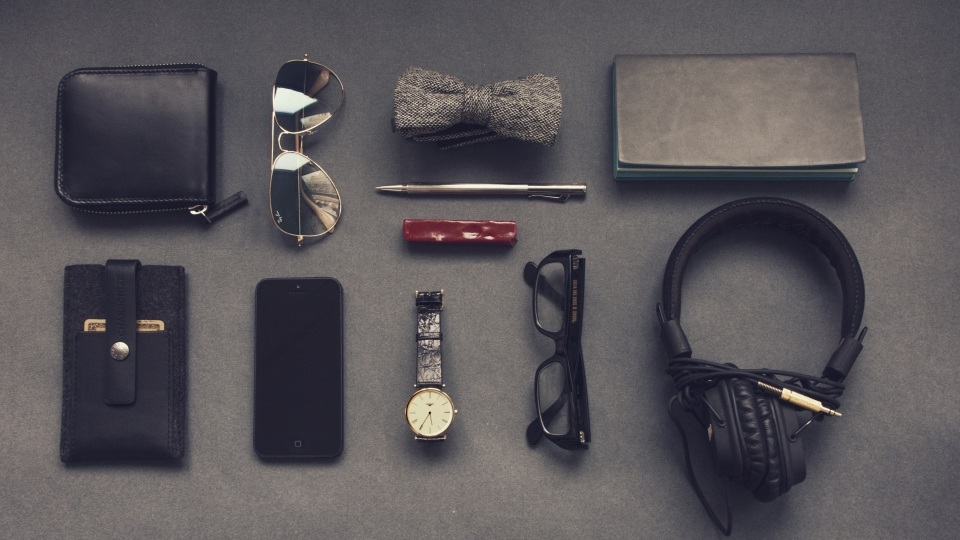 4 On The Go Essentials To Keep You Looking Fresh